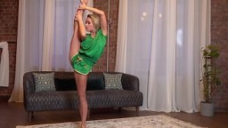 Hot blonde Raykina flexible gymnast